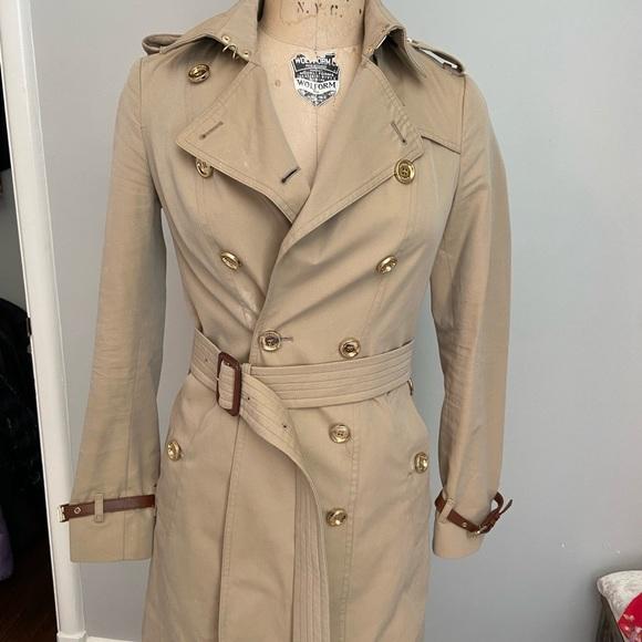 Burberry Short Islington Trench Coat